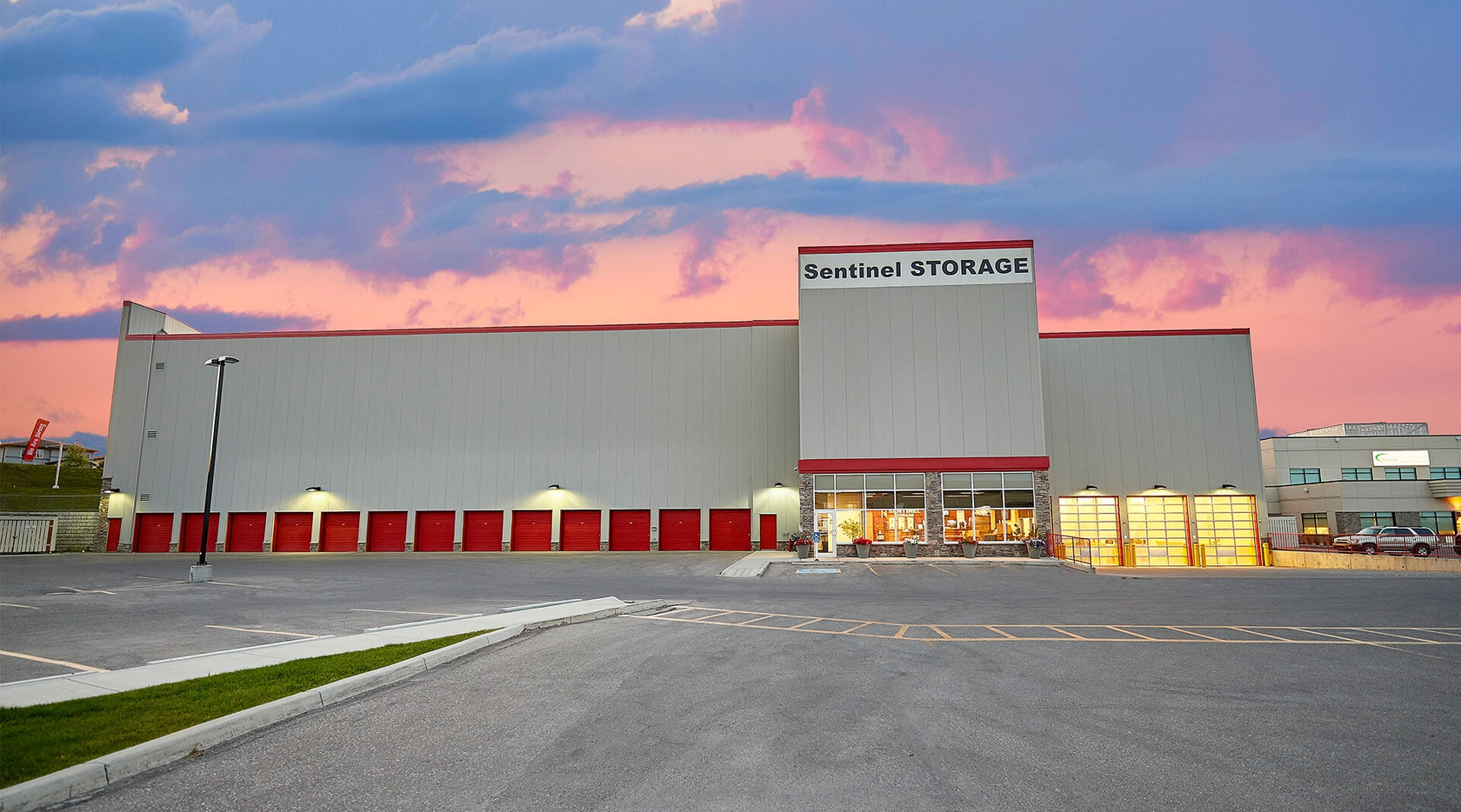 Rent Calgary storage units at 3000, 1800 194 Ave SE. We offer a wide-range of affordable self storage units and your first 4 weeks are free!