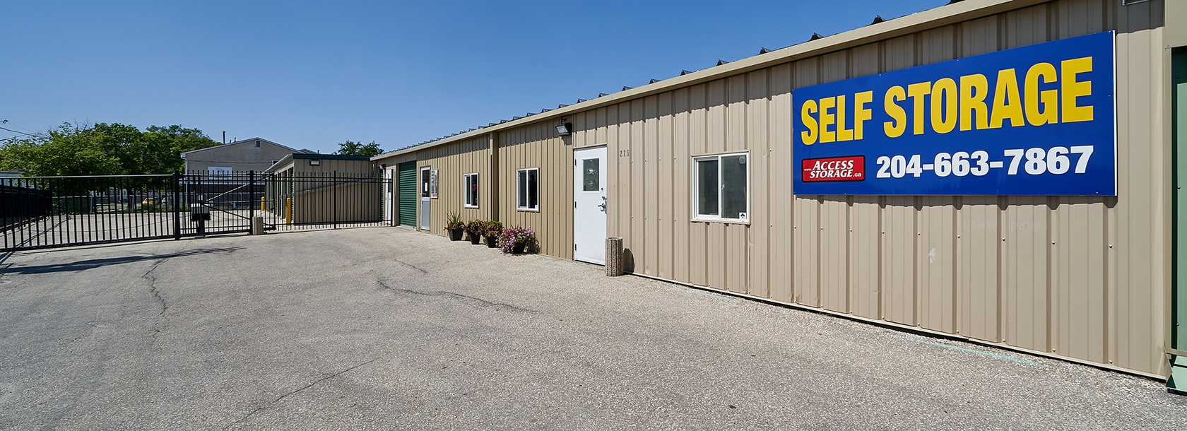 Rent Winnipeg storage units at 275 Gordon Ave. We offer a wide-range of affordable self storage units and your first 4 weeks are free!