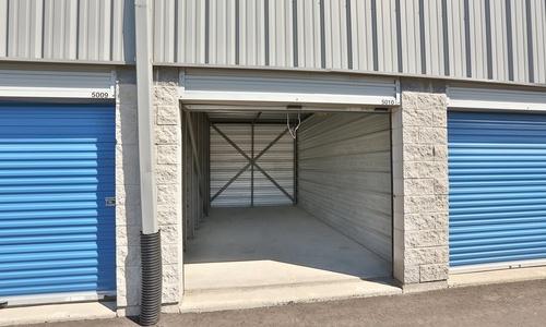 La succursale Access Storage – Etobicoke, située au 137 Queens Plate Drive, a la solution d'entreposage qu'il vous faut. Réservez dès aujourd'hui!