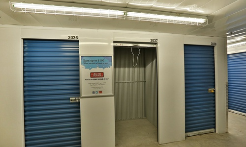 Access Storage - North York located at 3680 Victoria Park Ave. has the self storage solutions you need. Call to reserve today!