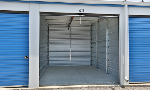 Access Storage - Kitchener East located at 1545 Victoria St. N has the self storage solutions you need. Call to reserve today!
