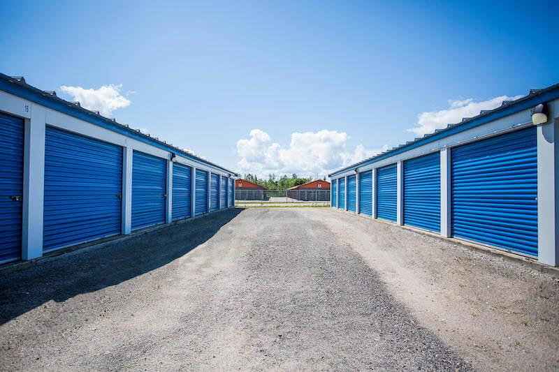 Rent North Bay storage units at 95 Gibson Street #88. We offer a wide-range of affordable self storage units and your first 4 weeks are free!