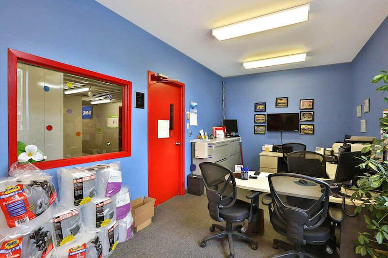 Rent Stratford storage units at 37 Scott St. We offer a wide-range of affordable self storage units and your first 4 weeks are free!