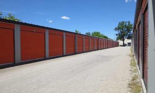 Access Storage - Stratford North located at 135 Frederick St. has the self storage solutions you need. Call to reserve today!