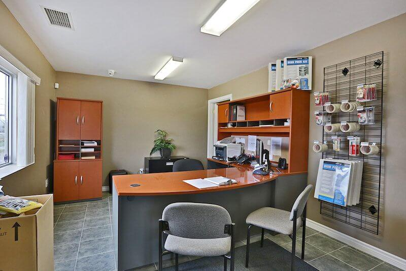 La succursale Access Storage – Stratford Nord, située au 135, rue Frederick, a la solution d'entreposage qu'il vous faut. Réservez dès aujourd'hui!
