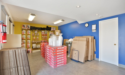 Access Storage - Barrie located at 91 Anne St. S has the self storage solutions you need. Call to reserve today!