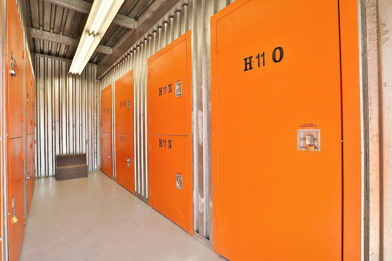 Rent Barrie storage units at 91 Anne Street South. We offer a wide-range of affordable self storage units and your first 4 weeks are free!