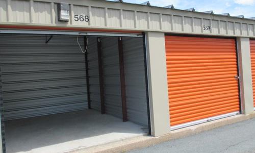 La succursale Access Storage – Bridgewater, située au 230 Logan Road, a la solution d'entreposage en libre-service qu'il vous faut. Réservez dès aujourd'hui!