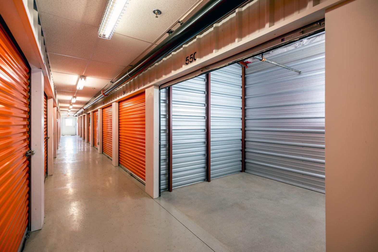 Rent Halton Hills storage units at 7954 Winston Churchill Blvd. We offer a wide-range of affordable self storage units and your first 4 weeks are free!