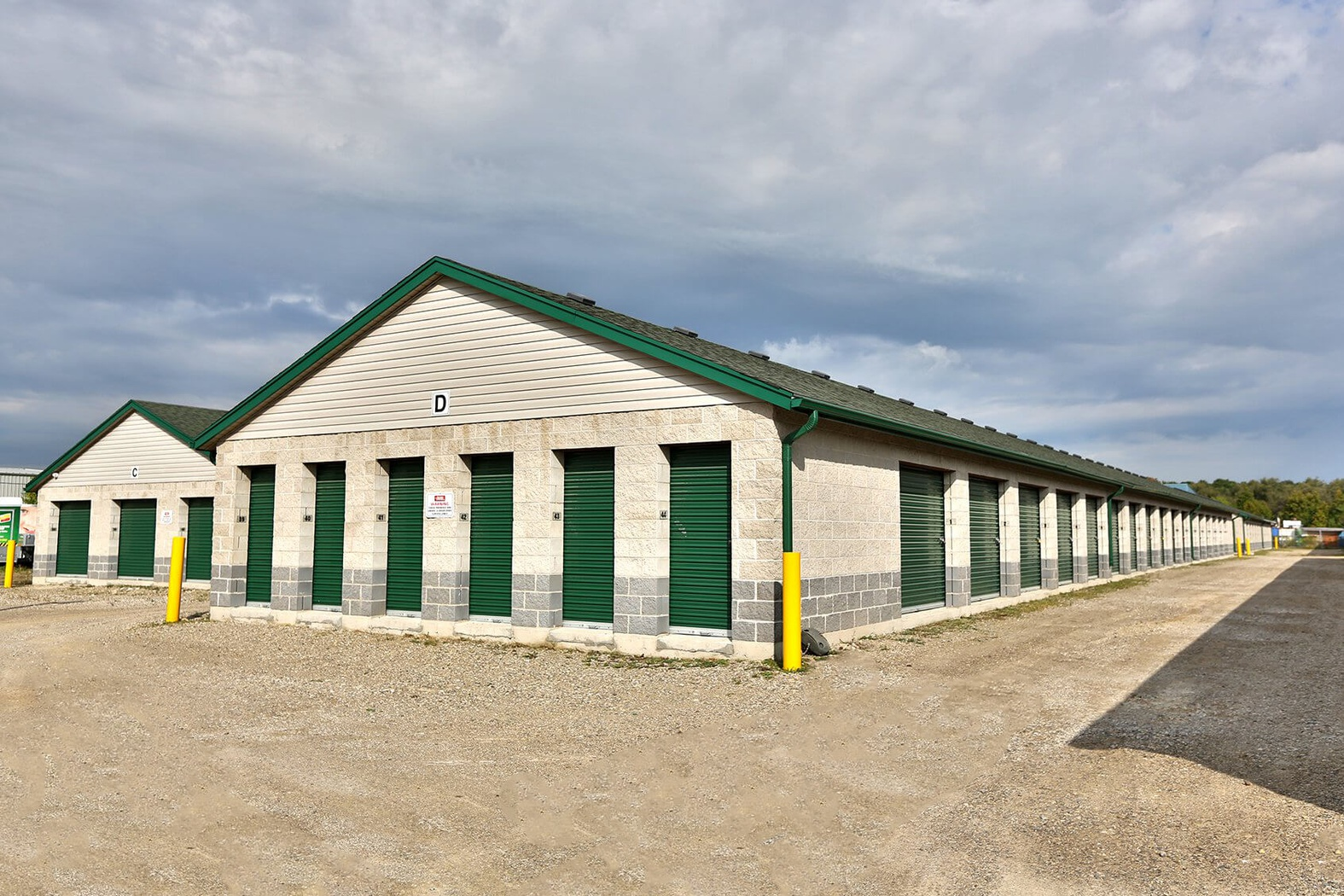 Rent Kitchener storage units at 2444 Shirley Dr. We offer a wide-range of affordable self storage units and your first 4 weeks are free!
