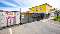 La succursale Safe Self Storage – Brampton, située au 17 Ardglen Drive, a la solution d'entreposage en libre-service qu'il vous faut. Réservez dès aujourd'hui!