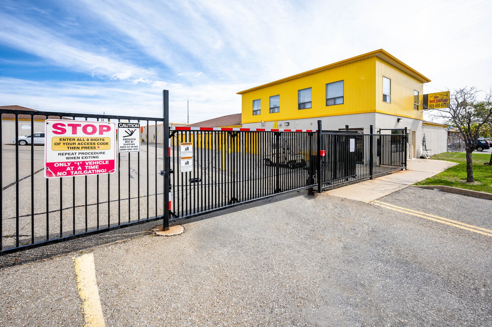 Rent Brampton storage units at 17 Ardglen Drive. We offer a wide-range of affordable self storage units and your first 4 weeks are free!