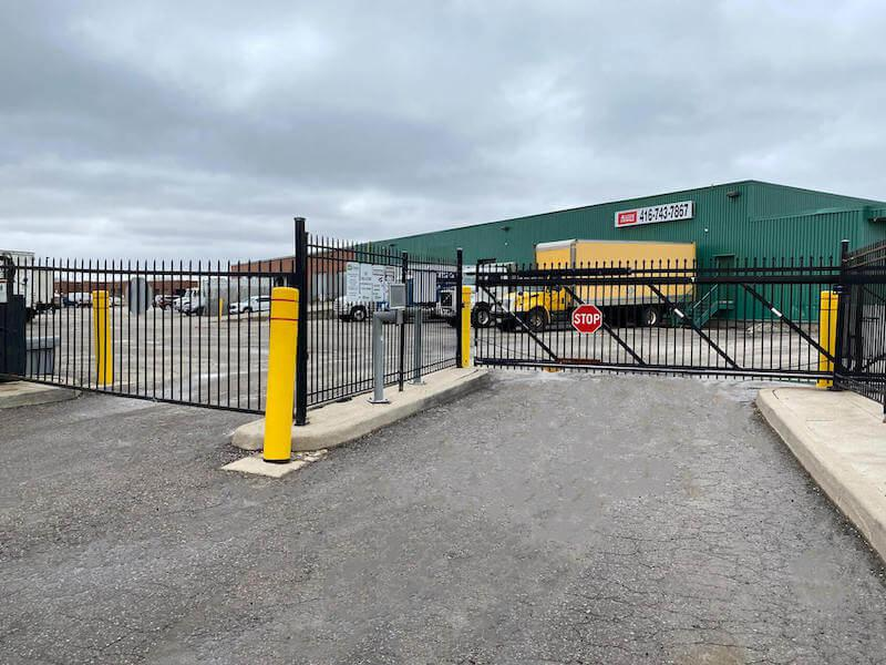 Rent Etobicoke storage units at 270 Rexdale Blvd. We offer a wide-range of affordable self storage units and your first 4 weeks are free!