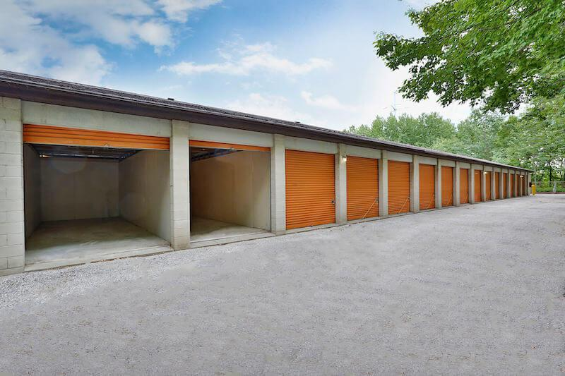 Rent Toronto storage units at 40 Beth Nealson Dr. We offer a wide-range of affordable self storage units and your first 4 weeks are free!