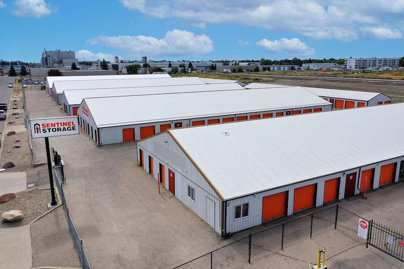 Rent Lethbridge storage units at 1420 31 Street North. We offer a wide-range of affordable self storage units and your first 4 weeks are free!