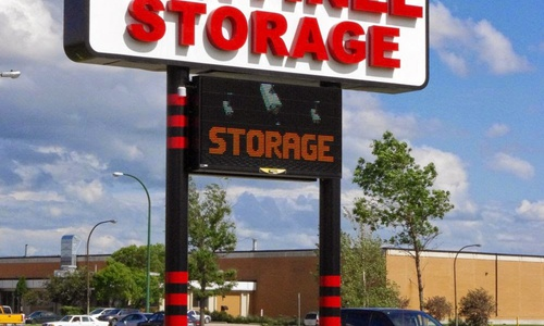 Access Storage - Winnipeg North at 11 Paramount Road has the self storage solutions you need. Call to reserve today!