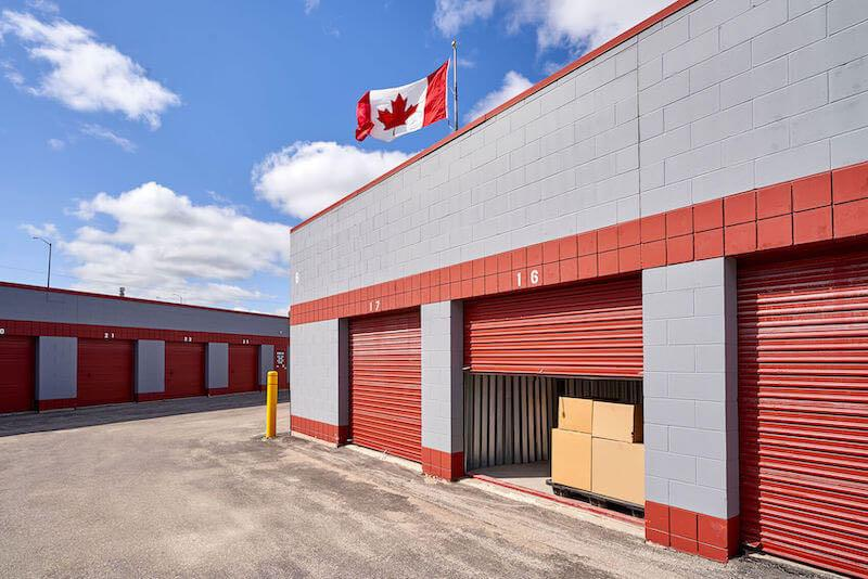 Rent Winnipeg storage units at 3101 Pembina Hwy. We offer a wide-range of affordable self storage units and your first 4 weeks are free!