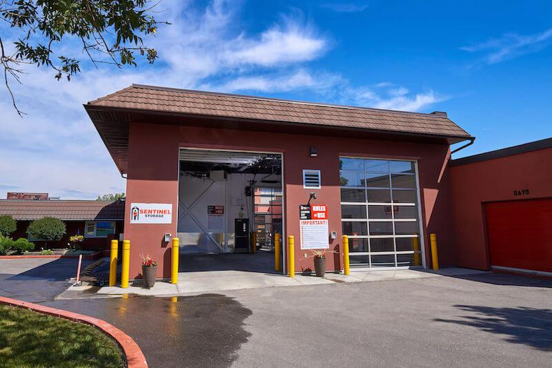 Rent Calgary storage units at 410 Manning Road Northeast. We offer a wide-range of affordable self storage units and your first 4 weeks are free!