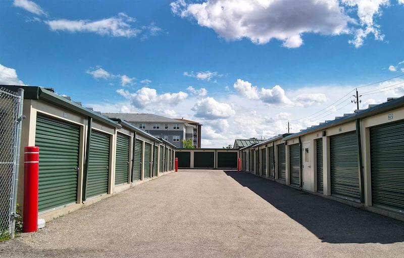 Rent Brantford storage units at 601 Park Rd N. We offer a wide-range of affordable self storage units and your first 4 weeks are free!