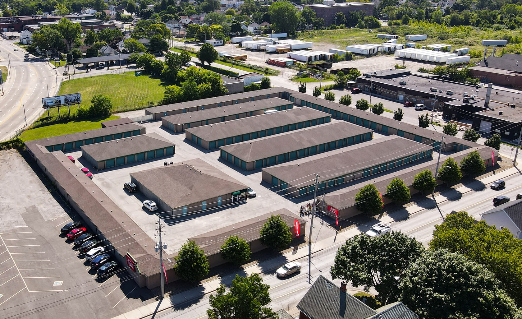 Rent Windsor Walkerville storage units at 840 Walker Road. We offer a wide-range of affordable self storage units and your first 4 weeks are free!