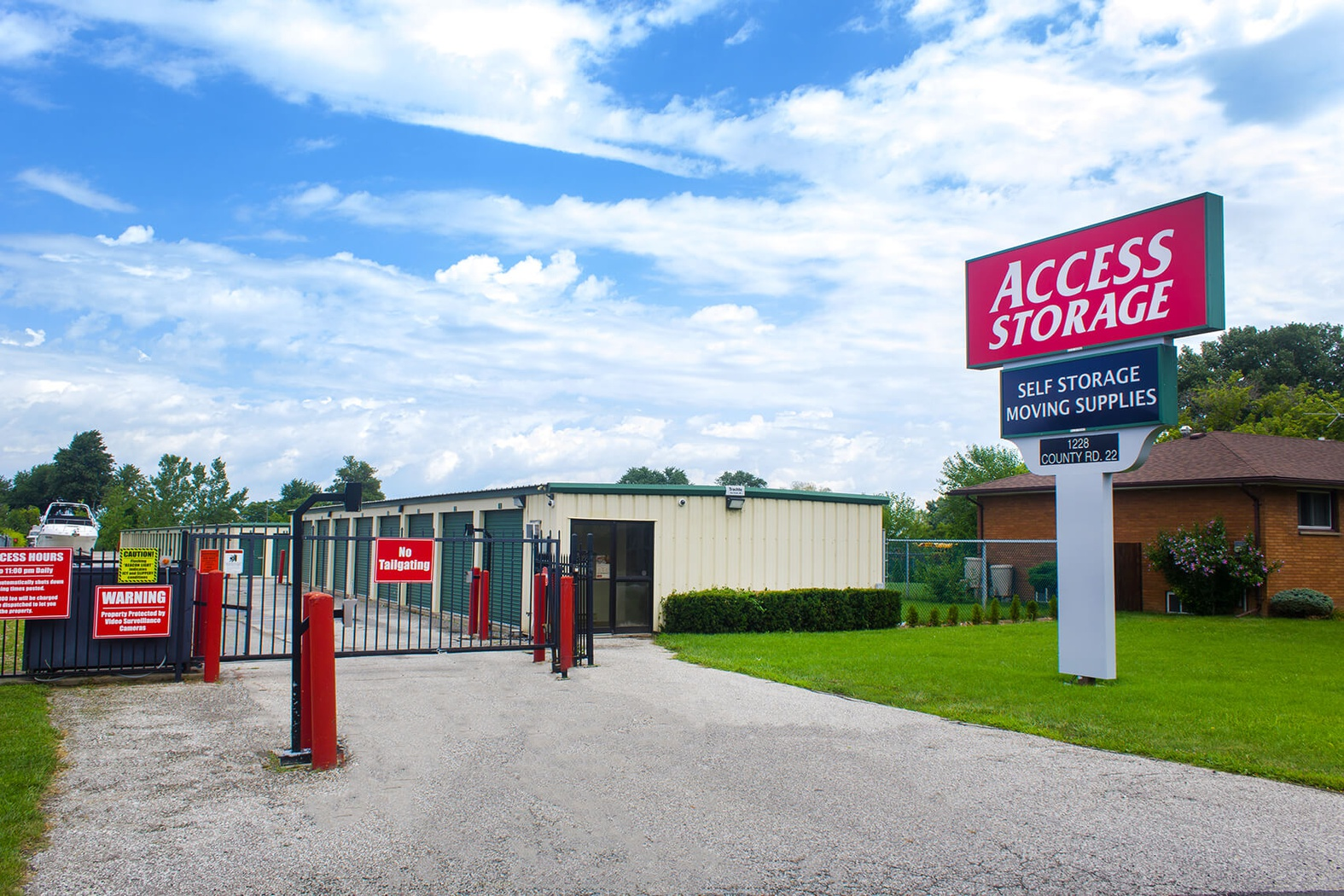 Rent Essex storage units at 578 Talbot Road #34 Lakeshore. We offer a wide-range of affordable self storage units and your first 4 weeks are free!