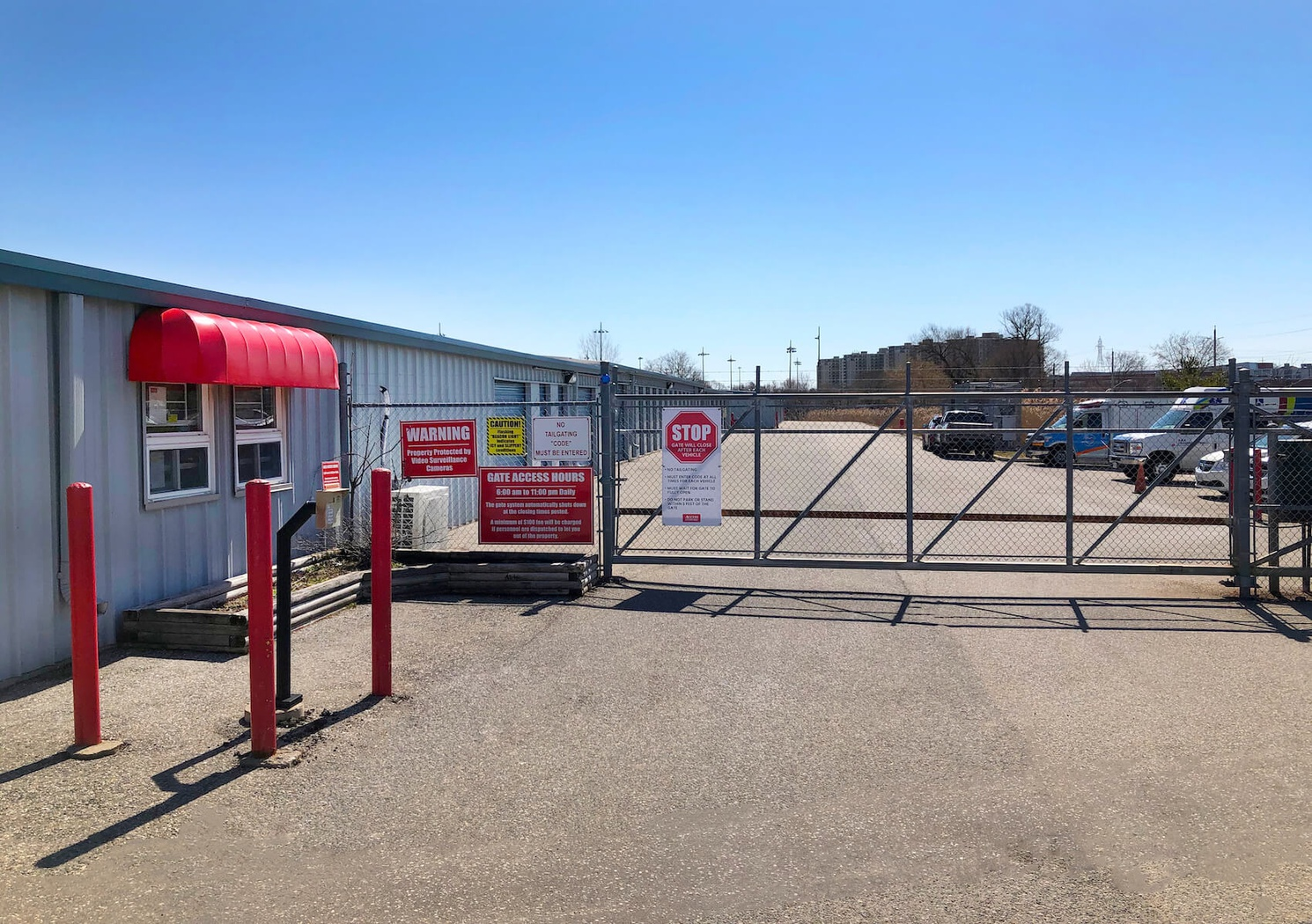 Rent Kitchener storage units at 176 Hayward Ave. We offer a wide-range of affordable self storage units and your first 4 weeks are free!