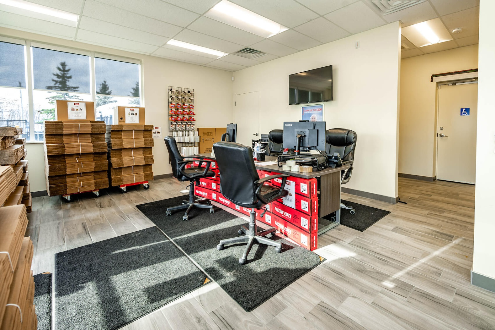 Rent Barrie storage units at 62 Caplan Ave. We offer a wide-range of affordable self storage units and your first 4 weeks are free!