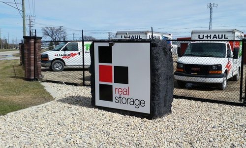 Real Storage - Winnipeg Munroe